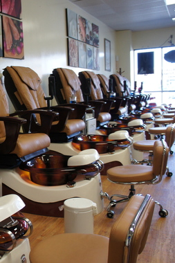 Attractive Nail Spa