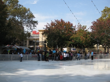 Westfield Shoppingtown Downtown Plaza Holiday Ice Rink