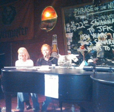 Savannah Smiles Dueling Pianos