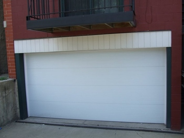 Roberts Garage Door Professionals of Chicago