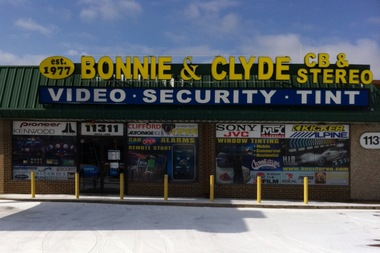 Bonnie &amp; Clyde&#039;s Cb &amp; Stereo