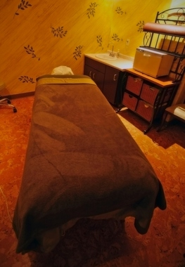Centre Ave Massage & Spa