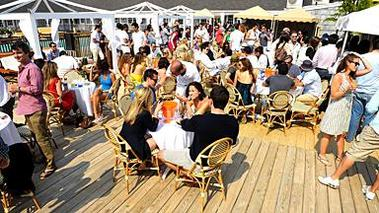 Day and Night Restaurant Beach Club
