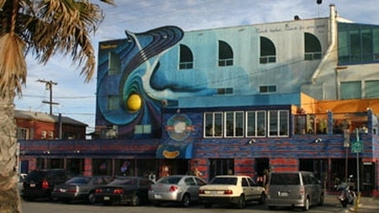 Venice Whaler Bar &amp; Grill