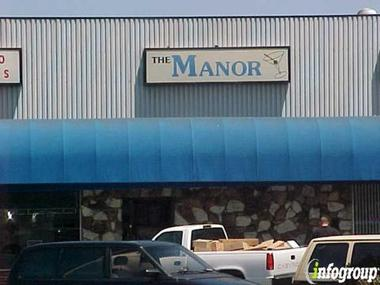 Manor Lounge