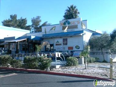 Moose's Beach Hse Bar & Grill